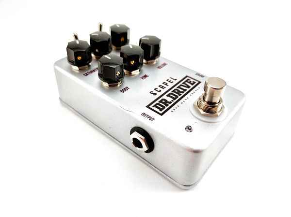 pedal de distorsion de guitarra